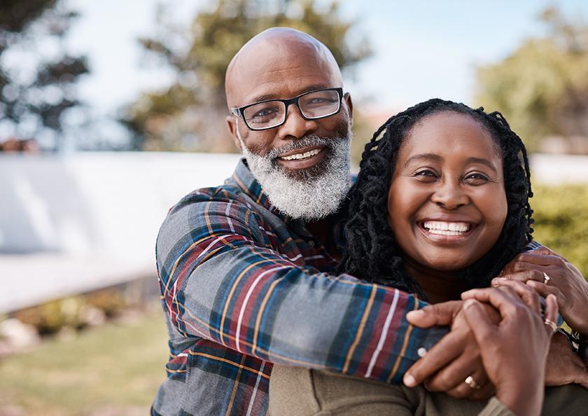 couple-embracing-hero