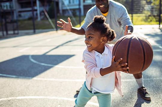 daughter-dad-playing-basketball-mcti2