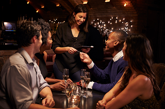 friends-at-restaurant-mcti1