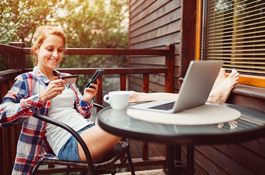 woman-banking-from-patio-mcti2